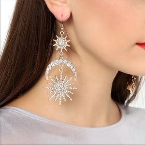 Jewelry - Women's Star Moon Antique Gold Dangle Earrings